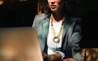 Hoe vrouwelijke leiders gemotiveerd blijven werken tijdens de overgang